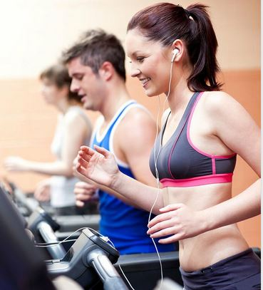 5 cách giúp tập luyện trên máy chạy bộ không nhàm chán