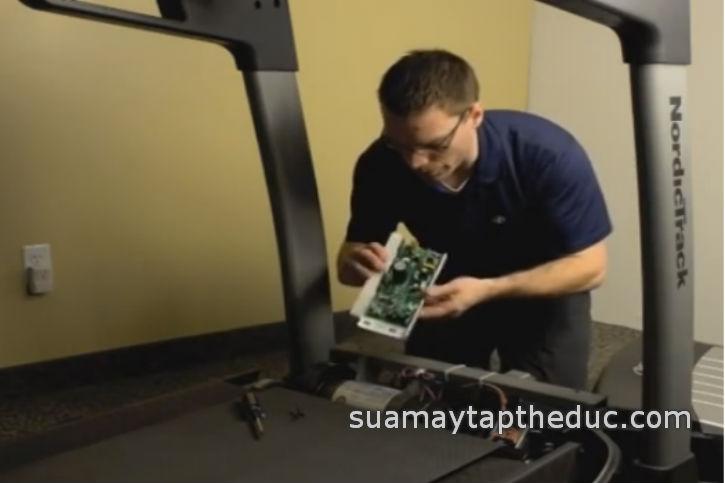 sửa máy chạy bộ điện Body Charger
