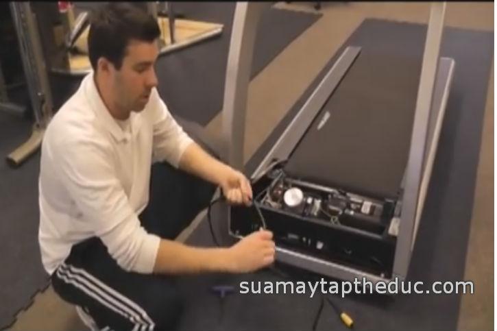 Sửa máy chạy bộ điện JohnSon